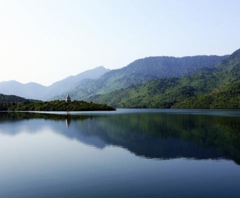 Du Lịch Miền Trung - Hồ Truồi 4 ngày 3 đêm