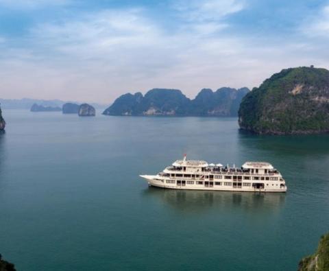 Tour ghép Du thuyền Hạ Long 4 sao - Huyền Ảo vịnh Hạ Long